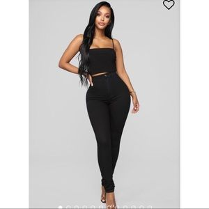 🍑 Fashion Nova Black Skinnies 🍑